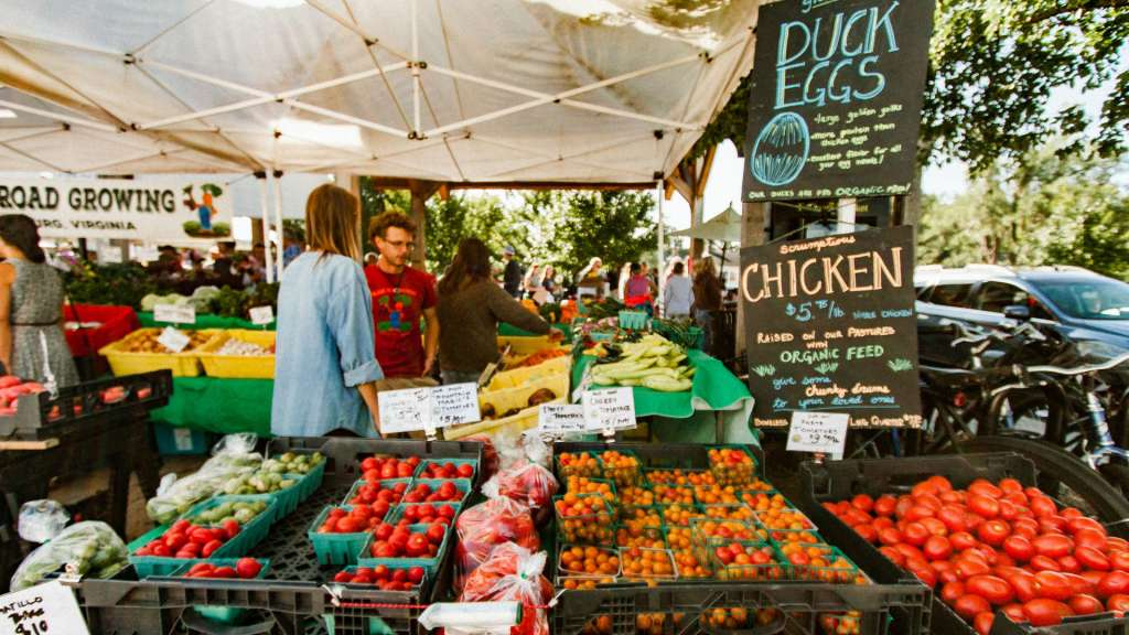 farmers market filled with fruits and veggies and nutritious choices